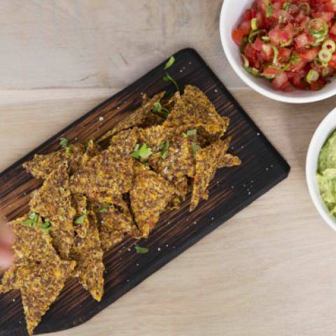 ALL GOOD Tortillachips with Guacamole & Tomato Salsa