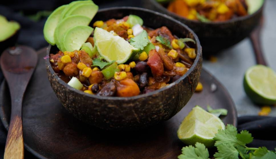 chili sin carne with sour cashew cream and avocado vegan gluten free high fat low carb keto. Black Bedroom Furniture Sets. Home Design Ideas