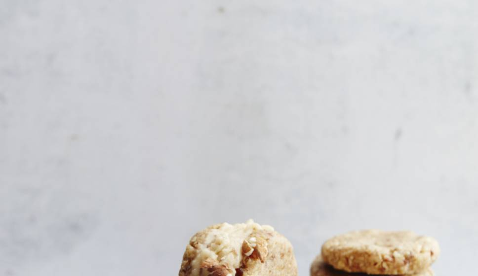 Cookie dough ice cream sandwiches | Vegan & Raw 2