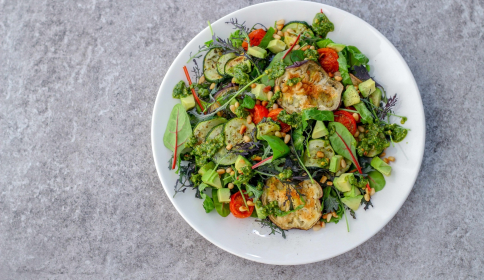Start to Keto: Grilled vegetable salad with pesto (Low Carb, Vegan, Paleo)