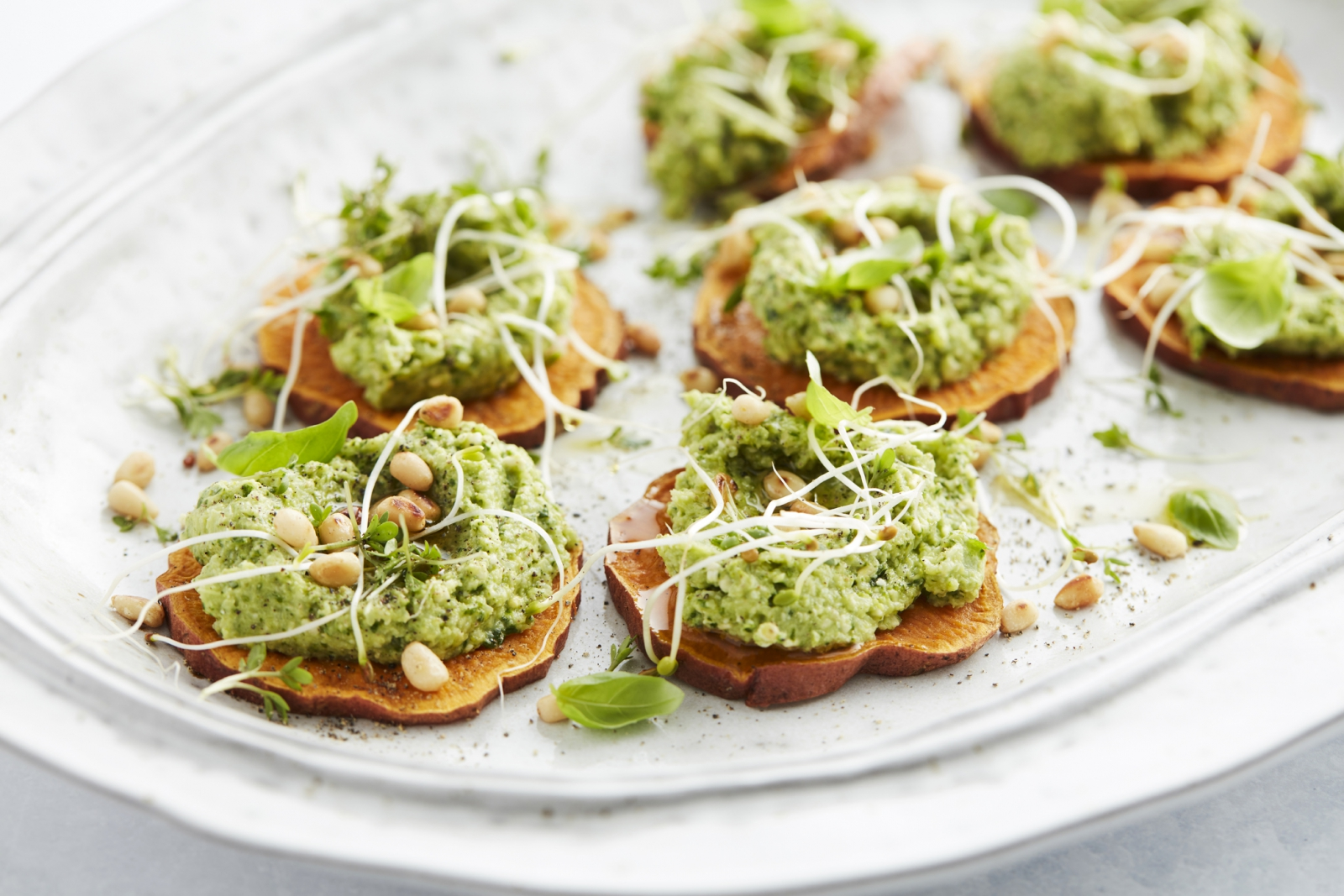 Toast van Zoete Aardappel met Broccolipesto - Vegan Keto Recept - Start to Keto eBook